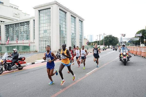 Bicampe&#227;o da Maratona Internacional de S&#227;o Paulo encabe&#231;a a lista de estrangeiros em 2018<