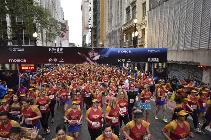 Corrida Mulher-Maravilha no Brasil celebra a força, coragem e beleza da mulher