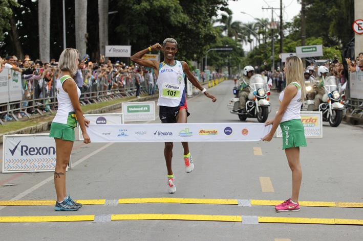 Giovani dos Santos garante o hexa na 19ª Volta Internacional da Pampulha<